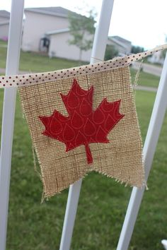 Daydreams of Quilts: Canada Day Flag Bunting Tutorial Canada Day Flag, Canada Day 150, Happy Canada Day, Canada Celebrations, Canada Day Fireworks, Canada Day Crafts, Canada Day Party, Bunting Tutorial, Canada Holiday