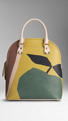 dd7c07cb5b4 128 Best Burberry Prorsum Womenswear images   Shoes, Beautiful bags ...