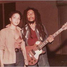 Image Bob Marley, Bob Marley Legend, Reggae Bob Marley, Bob Marley Pictures, Marley Family, Wyclef Jean, Jah Rastafari, Robert Nesta, Nesta Marley