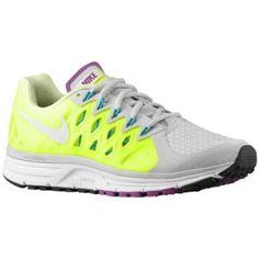 Nike Zoom Vomero 9 - Women's  Behöver nya löparskor  Stl: US 9,0 (EUR 40,5)
