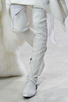 114 details photos of Pascal Millet at Paris Fashion Week Fall 2015.