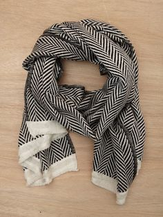 Pretty black and white scarf snood for all seasons