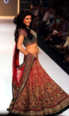 Sushmita Sen | Bollywood Celebrity | http://strandofsilk.com