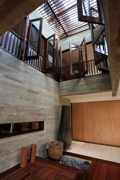Interior aspect of a residential house in Singapore by ONG