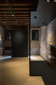 O-office Architects · Palazzo Zen in Venice Biennale Contemporary Architecture, Interior Architecture, Interior Design, Estilo Interior, Bar A Vin, Venice Biennale, Beautiful Interiors, Palazzo, Zen