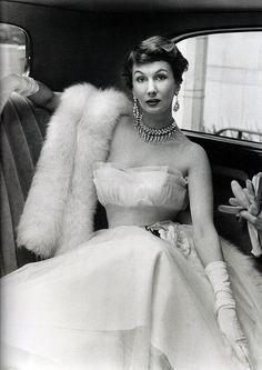 Barbara Goalen modelling a Julian Rose gown, 1950