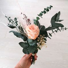 A bunch of preserved rose and preserved botanicals such as various types of eucalyptus Floral Centerpieces, Floral Arrangements, White Roses, Pink Roses, Types Of Eucalyptus, Evergreen Flowers, Hydrangea Vase, Rose Price, Preserved Flowers
