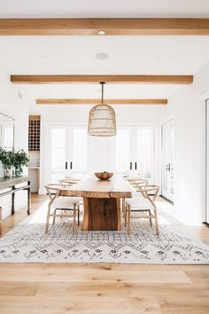 Dining room inspiration: Today we are going to present you the best dining room lighting ideas for your mid-century modern house.