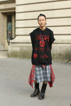 rapper punk biker postprotest - yasuyuki asano by sophie mhabille Daily Street Style, Tokyo Street Style, Street Style Looks, Modern Mens Fashion, Punk Fashion, Star Fashion, Fashion Blogs, Japanese Punk, Man Skirt