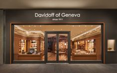 Davidoff of Geneva – Since 1911 – will open a luxuriously appointed store and art-filled lounge at Brookfield Place. Facade Design, Exterior Design, Retail Facade, Jewellery Shop Design, Cigar Shops, Luxury Store, Showroom Design, Retail Interior, Shop Front Design