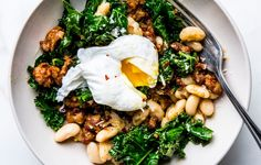 Got a Can of White Beans? You're Halfway to Dinner Tonight How to Make an Easy Sausage and White Bean Skillet – Bon Appétit Dinners To Make, Fast Dinners, Sausage Recipes, Cooking Recipes, Healthy Recipes, Sausage Meals, Cooking Kale, Cooking Bacon, Hamburger Recipes