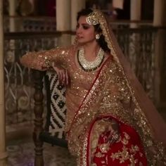 Anushka Sharma wearing Manish Malhotra in Ae Dil Hai Mushkil