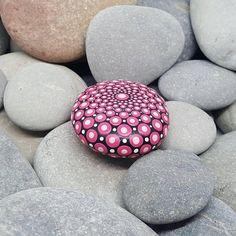 Kleine rosa bemalt Rock Mandala-Stein Stein Meditation