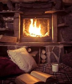 New Living Room Decor Country Hearth 48 Ideas Living Room Decor Country, Living Room Red, Living Room Paint, Cozy Living Rooms, Living Room Modern, Cozy Cottage, Cozy House, Cozy Cabin, Salons Cosy
