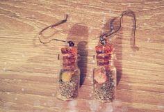 Paire de boucles d'oreille fait main avec sable et coquillages de Bretagne