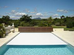 Per coprire la piscina potete scegliere due tipi di coperture: la prima…