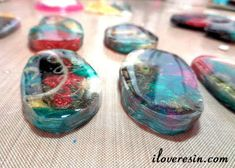 Multi Color Resin Swirl Baubles - Part Two Resin Jewelry Tutorial, Resin Jewlery, Resin Jewelry Making, Resin Tutorial, Diy Jewelry, Resin Glue, Ice Resin, Resin Art, Colored Epoxy