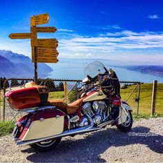 View to Lac Léman! #amazing #view #lakegeneva #lacleman #genfersee #geneve #geneva #genf #lake #see #lac #indianmotorcycle #indianroadmaster #motorcycle #motorrad #indianmotorrad #instamoto #instamotogallery #motofoto