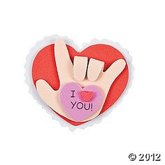 "Sign Language ""I Love you"" Heart! Totally just found my kids Valentine craft to give to their parents!"