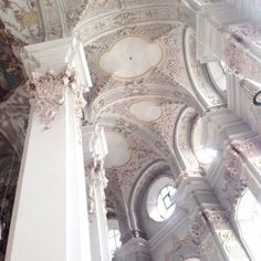 ornate decorated ceilings european decor and architecture beautiful buildings Architecture Baroque, Architecture Design, Beautiful Architecture, Beautiful Buildings, Beautiful Places, Angel Aesthetic, White Aesthetic, Aesthetic Pics, Photowall Ideas