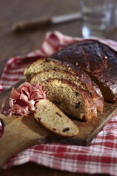 Tällä reseptillä valmistat myslileipiä tai myslipatonkeja. French Toast, Meat, Baking, Breakfast, Recipes, Noel, Christmas, Morning Coffee, Bakken