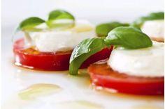Ensalada Caprese con Mozzarella, Tomate y Albahaca
