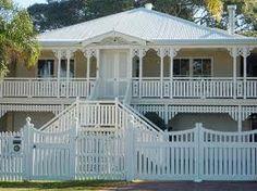 a Queenslander house. Australian Architecture, Australian Homes, Exterior House Colors, Exterior Design, Cottage Exterior, Exterior Paint, Front Stairs, Front Deck, Queenslander House