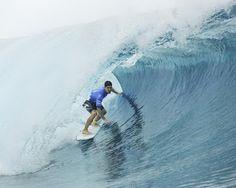 Blog Esportivo do Suíço:  Medina avança à semifinal no Taiti e pode até assumir a ponta do Mundial