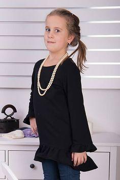 3bf962d244ed Zľava posledné kusy- Čierna tunika s volánom pre malú elegantnú dámu    miracles.style