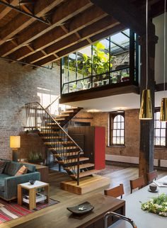 Tribeca Loft, New York by Andrew Franz Architect | via From the architect: In Manhattan's landmarked Tribeca North area, the 3,000-square-feet top floor and roof of an 1884 caviar warehouse are...