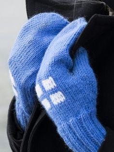 Suomi-lapaset Knitted Hats, Knitting, Diy, Fashion, Moda, Tricot, Bricolage, Fashion Styles, Breien