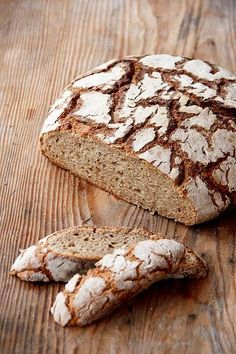 Loose and fresh for longer: Light rye bread Easy Baking Recipes, Easy Healthy Recipes, Bread Recipes, Rye Bread, Bread Rolls, Cooking Chef, Healthy Meals For Two, Pumpkin Recipes, Bread Baking