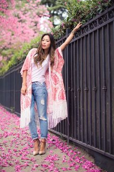 a1349b945b7 Summer 2017 Outfit Formula  1  Throw on a Kimono