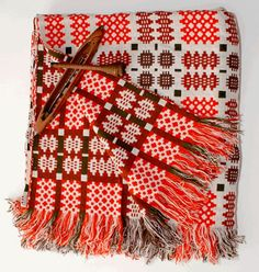 Blodwen welsh blankets (remind me of school! Welsh Blanket, Wool Blanket, Woven Blankets, Welsh English, Tapestry Weaving, Bed Throws, Pattern Design, Textiles, Quilts