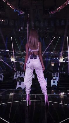 Ariana Grande Outfits, Ariana Grande Pictures, Harry Styles, Ariana Grande Wallpaper, Dangerous Woman, Look At You, Woman Crush, My Idol, Queens