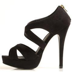 Pimkie.fr : Avec leurs talons vertigineux, les sandales à plateaux nous font gagner en glamour et en centimètres !
