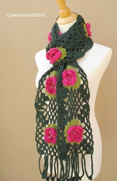I would love a scarf like this.  So pretty!