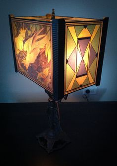 We are currently listing this Unique Art Deco Parrot Lamp This Art Deco Parrot double candlestick base is in excellent condition and Vintage Lamps, Vintage Lighting, Art Nouveau, Art Gallery, Chicken Breast Recipes Healthy, 1920s Art Deco, Healthy Living Magazine, Pet Treats, Dinners For Kids