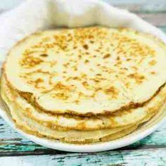 Soft Almond Flour Tortillas Gluten Free: These Almond Flour Tortillas are super soft pliable wraps great for tacos, burritos, sandwich wraps and so much more. Almond Flour Tortilla Recipe, Easy Tortilla Recipe, Almond Flour Pancakes, Almond Flour Recipes, Keto Pancakes, Cauliflower Tortillas, Gluten Free Tortillas, Flour Tortillas, Gluten Free Baking