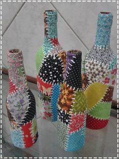 how to fabric decoupage wine bottle Liquor Bottle Crafts, Recycled Glass Bottles, Wine Bottle Art, Painted Wine Bottles, Diy Bottle, Bottles And Jars, Twine Wine Bottles, Yarn Bottles, Potion Bottle