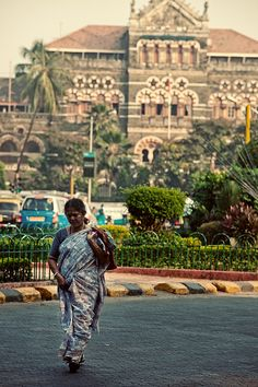 life-in-mumbai-india:  Coming back