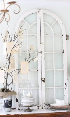 Ideas to Reuse and Recycle Old Wood Windows and Doors for Wall Decorations flea market finds shabby-chicflea market finds shabby-chic Old Wood Windows, Vintage Windows, Windows And Doors, Arched Windows, Antique Windows, Arched Doors, Shaped Windows, Black Windows, Antique Doors