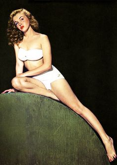 Norma Jeane (Marilyn Monroe) 1946. Photo by Bruno Bernard http://dunway.us