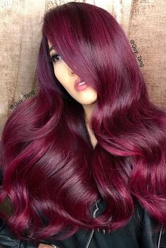 Your Plum Hair Color Guide: 57 Posh Plum Hair Color Ideas & Dye Tips The plum hair color sits somewhere between eggplant and burgundy hair, as it is a natural blend of red and purple. Plum Hair Dye, Red Ombre Hair, Burgundy Hair, Magenta Hair Dye, Red Violet Hair, Hair Color Shades, Hair Color Purple, Plum Color, Raspberry Hair Color