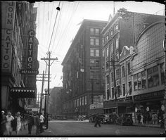Yonge Street predates confederation by of a century. Here are some great Vintage Yonge Street pics from that show the changes. Toronto Architecture, Toronto Street, Hidden Art, Yonge Street, Queen's University, Toronto Ontario Canada, Landscape Photos, Past, Old Things