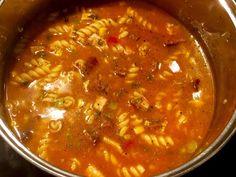 Chłopski kociołek - obiad jednogarnkowy w 30 minut! - Blog z apetytem Wok, Chana Masala, Stew, Chili, Food And Drink, Dinner Recipes, Cooking, Ethnic Recipes, Impreza