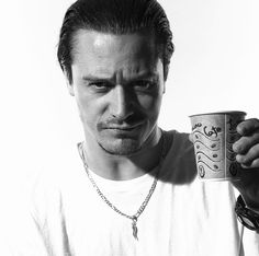Mike Patton endorses coffee & caffeine - mmmm I'd love to wake up to this