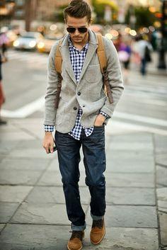 Mais um blazer, dessa vez com jeans e camisa xadrez, para o street style.