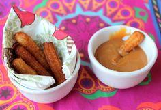 Mini churros: por que não saborear essa delícia em pequenas porções? Aproveite que os churros estão em alta e faça mini churros à la Dona Florinda, delícia!