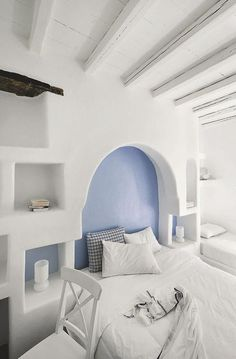 Hôtel Le Vega white, blue bedroom #BohoLover @amberlair.com #Greece